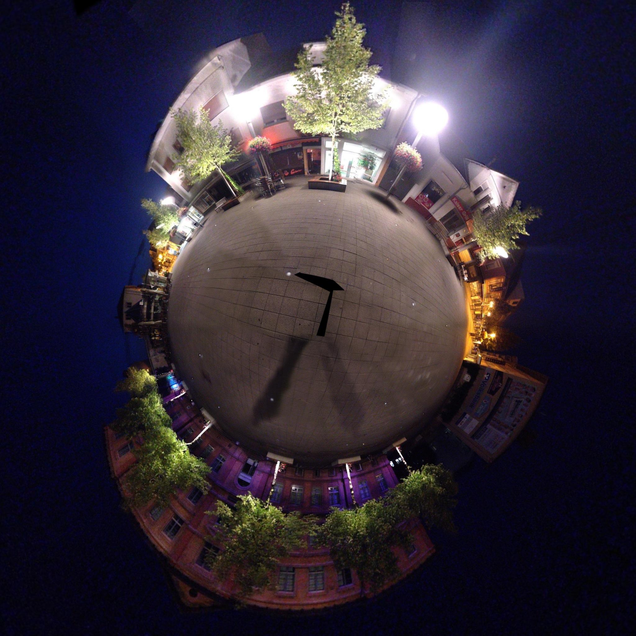 360Grad Foto vom Schillerplatz in Lampertheim am frühen Morgen