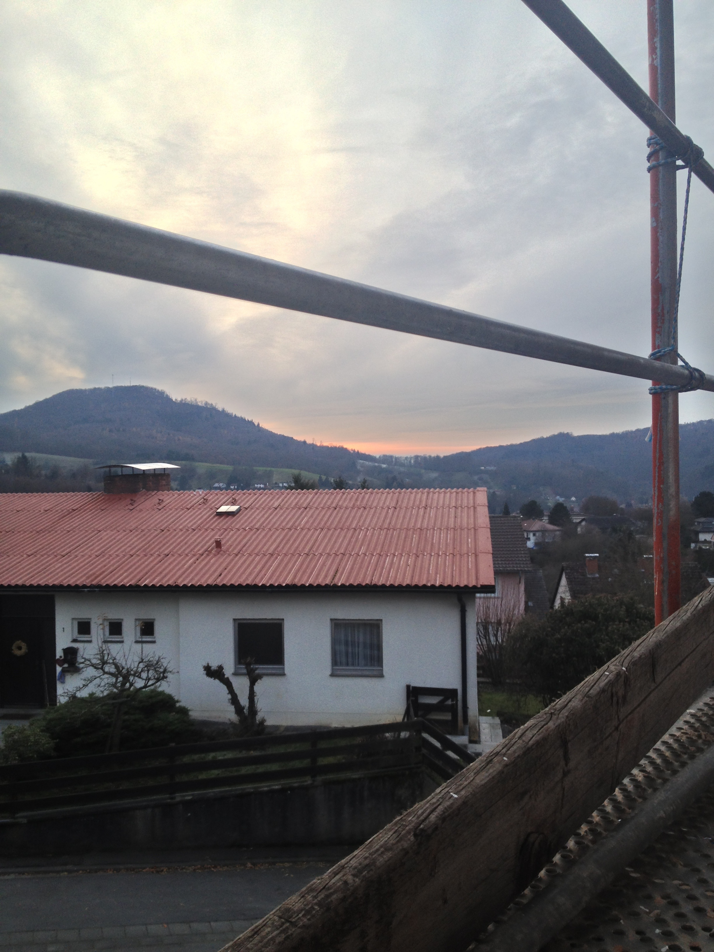 Sonnenuntergang auf der Baustelle