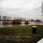 Hochwasser an der Natostraße in Lampertheim. Aufgenommen mit der Hipstamatic