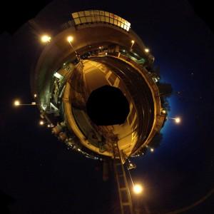 Bahnhof Handelshafen bei Nacht