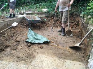 Ein kleines Loch im Boden