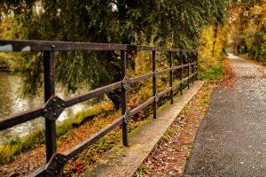 Lampertheimer Biedensandbruecke im Herbst